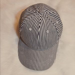 ☆$7 WITH PURCHASE☆ FOREVER21 baseball cap